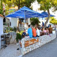 beach-bar-Debeli-krug